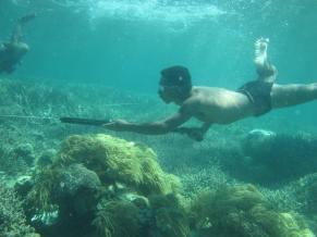 Bajau Laut speargun fishermen, Kulapuan, Semporna