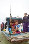 Sama Houseboat and speargun, MaigaIsland