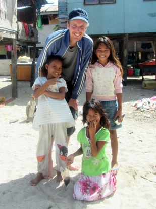 Erik Abrahamsson with Bajau Laut Girls, Mabul, Semporna, Malaysia